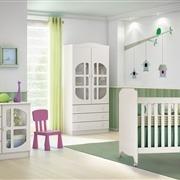 Quarto para Bebê Luizzi com Berço/Cômoda/Guarda Roupas de 2 Portas