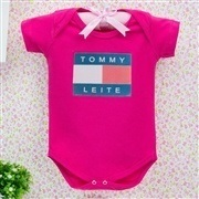 Body Manga Curta Tommy Leite Pink 6 a 9 Meses