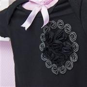 Body Manga Curta Flor em Arabesco Preto Recém-Nascido a 3 Meses