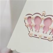 Quarto para Bebê Coroa Brasão Rosa Xadrez