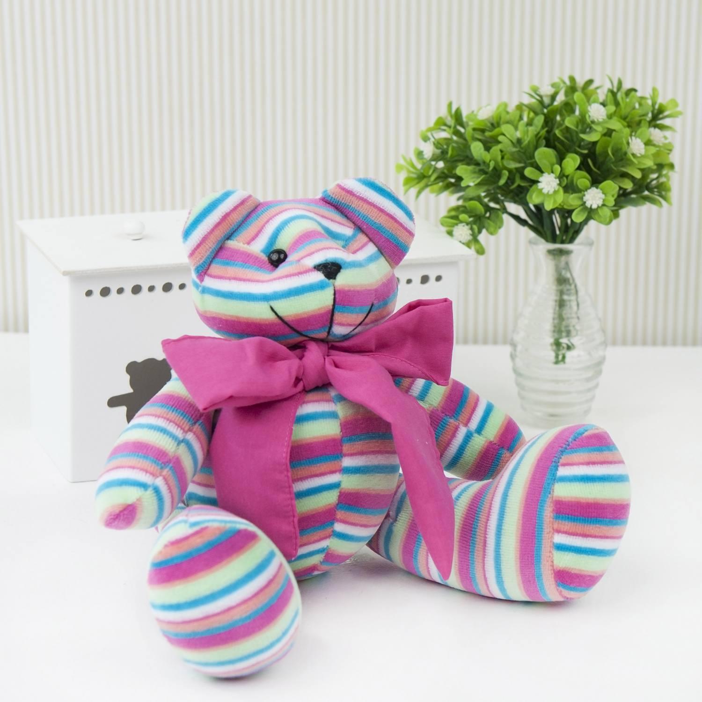Urso P Plush Listrado Colorido com Gravata Rosa