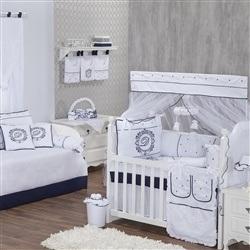 Quarto para Bebê Personnalité Marinho com Inicial do Nome Personalizada