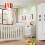 Quarto para Bebê Carol com Berço/Cômoda/Guarda Roupas de 2 Portas