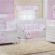 Quarto para Bebê Coroa Real Rosa