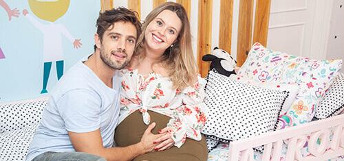 Rafael Cardoso e Mari Bridi estão apaixonados pelo divertido quarto da Aurora