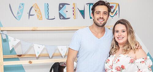 Rafael Cardoso e Mari Bridi apresentam o quarto de bebê do Valentim