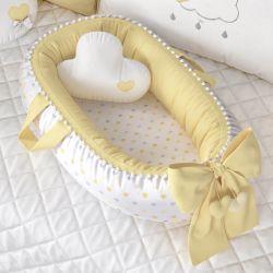 Ninho para Bebê Redutor de Berço Pompom e Corações Amarelo