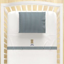 Jogo Lençol de Berço Bordado Urso Branco e Azul Marinho 3 peças