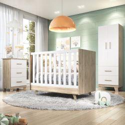 Quarto de Bebê Retrô Amadeirado/Branco com Berço/Cômoda/Guarda-Roupa de 2 Portas