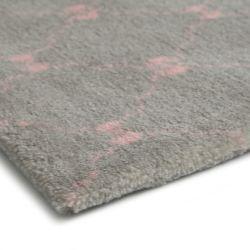 Tapete Retangular Cinza Lacinhos Rosa