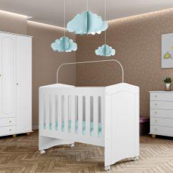 Quarto de Bebê Berço Branco + Cômoda c/ Porta + Guarda Roupa 4 Portas Enfance