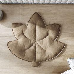 Tapete Acolchoado Folha de Outono Marrom Amendoado 90cm