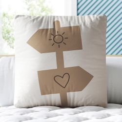 Almofada Quadrada Plaquinhas Sol e Coração Bege 33cm