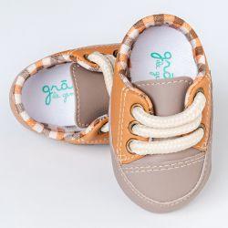 Tênis Bebê Chique Bicolor Caramelo e Cinza Taupe