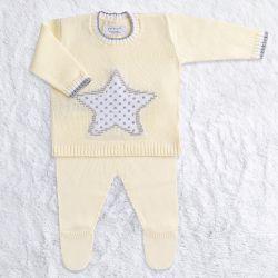 Saída Maternidade Tricot Estrelinha Casaquinho e Calça Amarelo 02 Peças