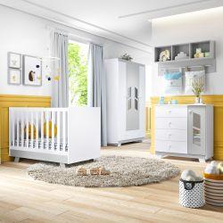 Quarto de Bebê Retrô Chique Branco/Cinza com Berço/Cômoda com Porta/Guarda-Roupa de 4 Portas