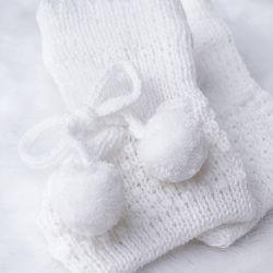 Sapatinho para Bebê Tricot Pompom Branco