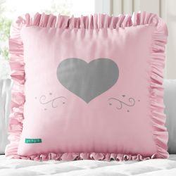Almofada Quadrada Coração e Babado Rosa 30cm