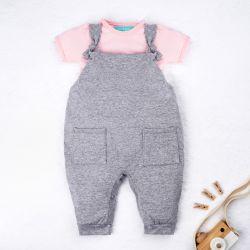 Conjunto Jardineira e Body Manga Curta Baby Basics Cinza e Rosa 02 Peças