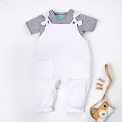 Conjunto Jardineira e Body Manga Curta Baby Basics Branco e Cinza 02 Peças