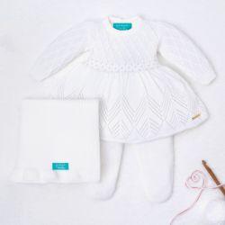 Saída Maternidade Tricot Primeiro Vestidinho com Pérolas Branco 03 Peças
