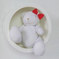 Nicho de Madeira Redondo Branco com Ursa de Lacinho Poá Vermelho 30cm