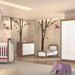 Quarto de Bebê Íris Amadeirado com Berço/Cômoda/Guarda-Roupa de 4 Portas
