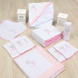 Kit Fraldas e Higiene Iniciais de Nome Personalizado Rosa
