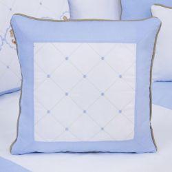 Almofada Bordada Elegance Cavalinho de Balanço Azul 43cm