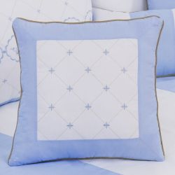 Almofada Bordada Elegance Coroa Azul 43cm