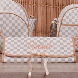 Trocador de Fraldas Portátil Maternidade Paris Bege Nome Personalizado