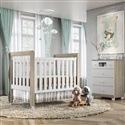 Quarto para Bebê Mila Amadeirado com Berço/Cômoda/Guarda Roupas de 4 Portas