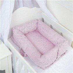 Ninho para Bebê Redutor de Berço Chevron Rosa