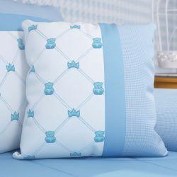 Almofada Bordada Ursinho Clássico Azul Bebê 38cm