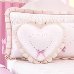 Almofada Coraçãozinho Bordado 30cm