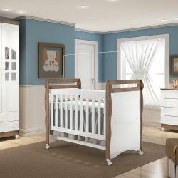 Quarto de Bebê Luxo Amadeirado com Berço/Cômoda/Guarda-Roupa de 3 Portas