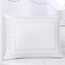 Almofada Retangular Branco Clássico 38cm