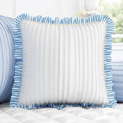 Almofada Tricot Luxo Branco/Azul com Babado 38cm