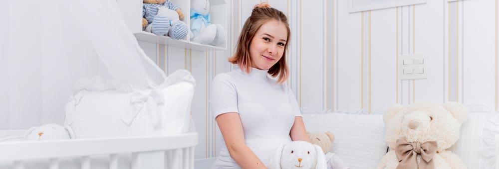 Pyong Lee e Sammy escolhem Quarto de Bebê Tricot Luxo Branco para Jake