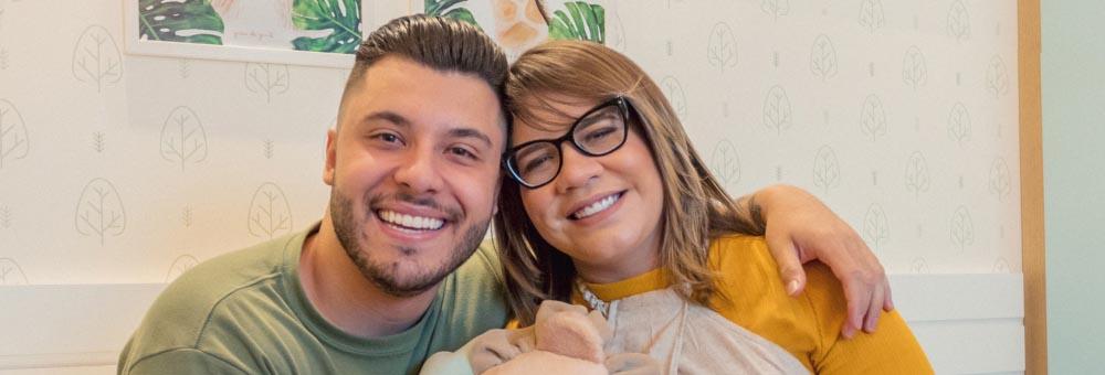 Marília Mendonça e Murilo Huff escolhem Quarto de Bebê Safári Baby da Grão de Gente para Léo