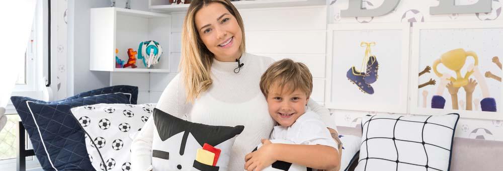 Carol Dantas renova quarto do Davi Lucca com decoração Futebol